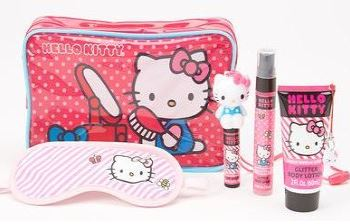 hello-kitty-sleepover-set