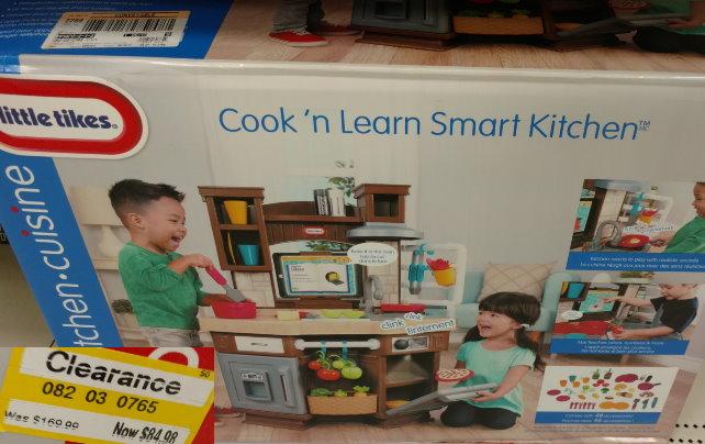 TOYS-little-tikes-kitchen